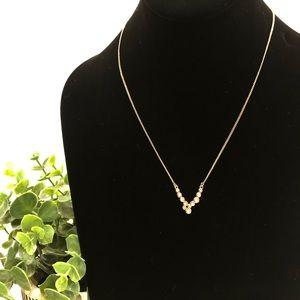 "BANANA REPUBLIC bubble ""v"" pendant necklace NWT"